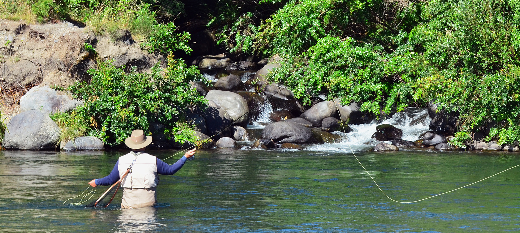 Fly fishing wine dine the north island australasia for Fly fishing new zealand